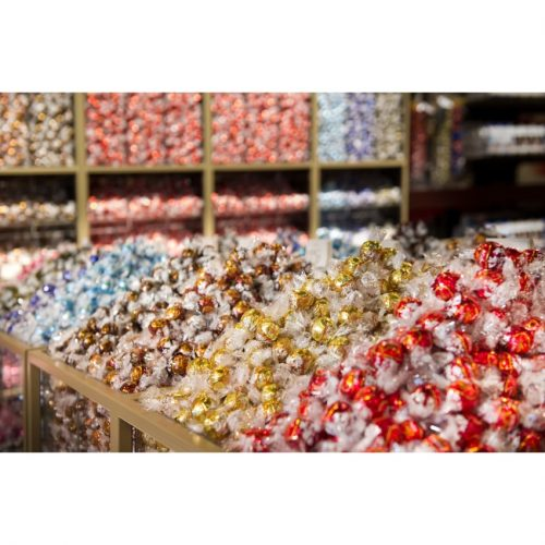 Treat yourself to 100 delicious LINDOR truffles for only $30